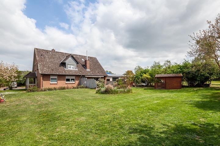 Neu im Verkauf! Großzügiges Einfamilienhaus mit fast 5000 qm (Gewerbe) Grundstück. Wer Platz für…